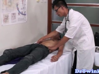 Asian Weaken Rims Added To Fingers Patients Ass
